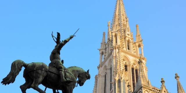 Flêche Sainte Epvre Et Statue René II